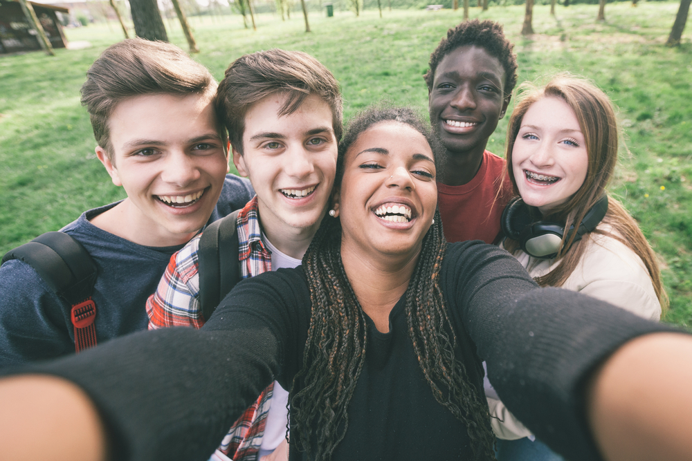 Peer-Mentoring Diabetes Management May Help Teens and Young Adults