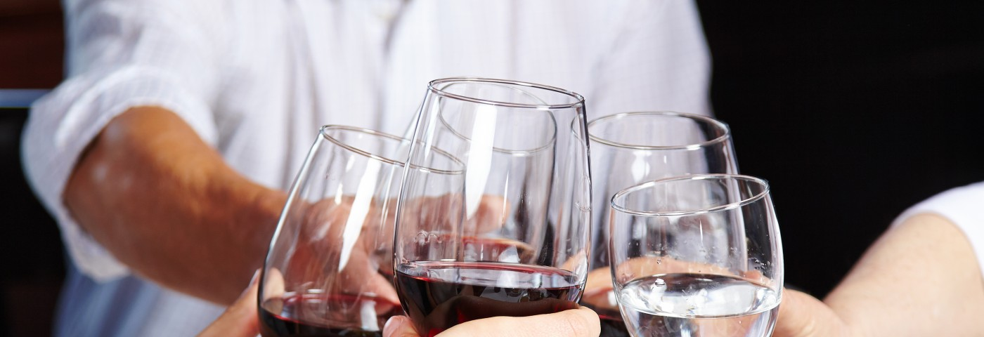 Long-Term Study Confirms that Type-2 Diabetes Patients May Benefit from Moderate Red Wine Consumption